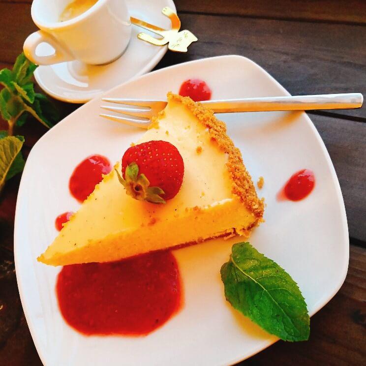 American Cheesecake mit Erdbeerspiegel