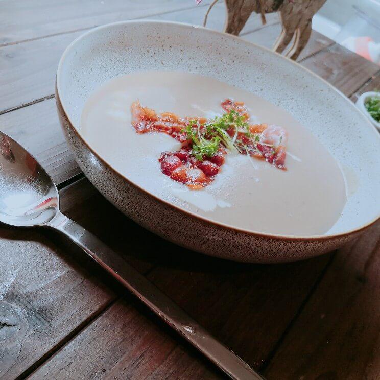 Maronensuppe mit knusprigem Speck